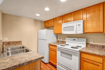 1415 North Country Club Drive 1-2 Beds Apartment for Rent Photo Gallery 1