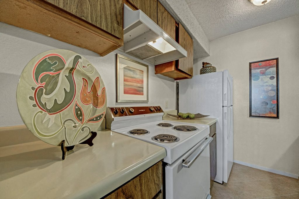 Cypress Pointe Kitchen