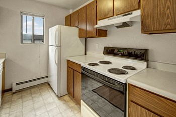 4221 Laurel Street 1-2 Beds Apartment for Rent Photo Gallery 1