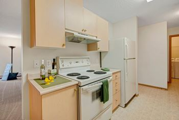 #100 3606 Rollyview Road 1 Bed Apartment for Rent Photo Gallery 1