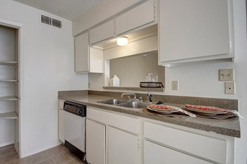 4675 Oakwood Drive 1-2 Beds Apartment for Rent Photo Gallery 1