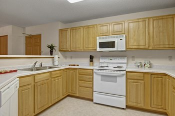 3600 W. Saint Germain Street 2 Beds Apartment for Rent Photo Gallery 1