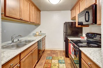 631 E 22Nd Ave 1-2 Beds Apartment for Rent Photo Gallery 1