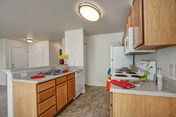 2222 E. Isaacs Ave 1-3 Beds Apartment for Rent Photo Gallery 1