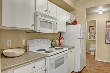 411 E. Indian School Road 1-3 Beds Apartment for Rent Photo Gallery 1