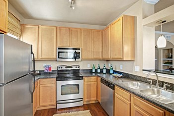 4805 Briarwood Ave 2 Beds Apartment for Rent Photo Gallery 1