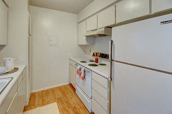 2701 Southwest Dr. 1-3 Beds Apartment for Rent Photo Gallery 1