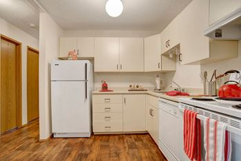 1862 15 Ave E 2 Beds Apartment for Rent Photo Gallery 1