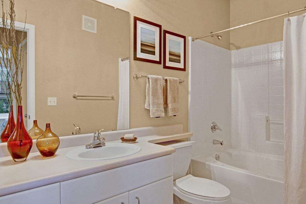 Stoneleigh Bathroom with Bathtub