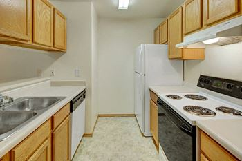 2001 W 80th #09 2 Beds Apartment for Rent Photo Gallery 1