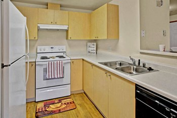 12522 - 8th Avenue West 1-3 Beds Apartment for Rent Photo Gallery 1