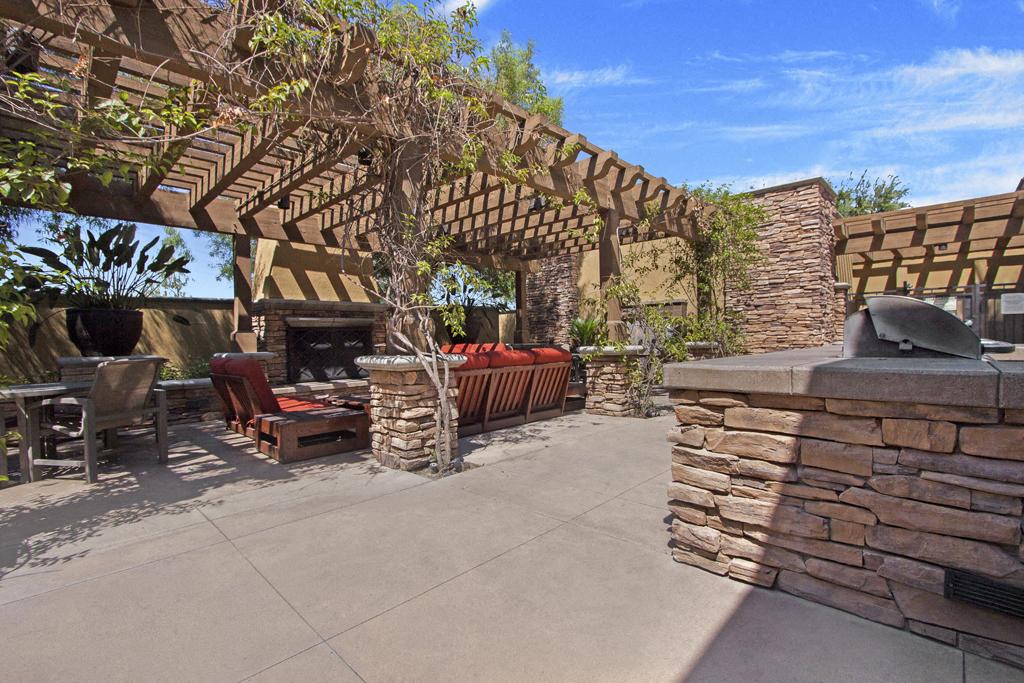 Vesada Outdoor lounge and BBQ Area