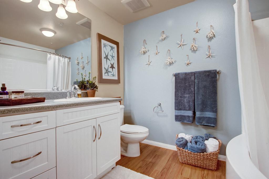 Vesada Guest Bathroom
