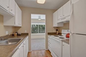 14812 Bothell Way NE 1-3 Beds Apartment for Rent Photo Gallery 1