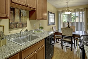 6501 - 208Th Street SW 1-2 Beds Apartment for Rent Photo Gallery 1