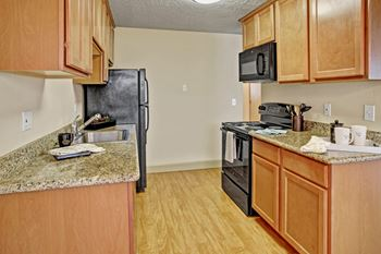 6501 - 208th Street SW 1 Bed Apartment for Rent Photo Gallery 1