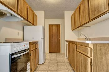 379 32 St W 1-3 Beds Apartment for Rent Photo Gallery 1