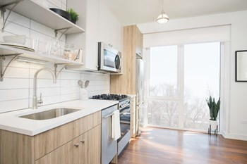 4750 N Winthrop Ave Studio Apartment for Rent Photo Gallery 1
