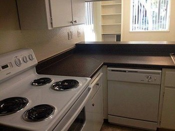2650 Keystone Avenue 1 Bed Apartment for Rent Photo Gallery 1