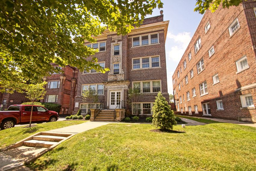 Lush Green Outdoor Spaces at Integrity Gold Coast  Apartments, Lakewood, Ohio