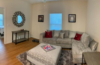 1501 N Border Ave 2 Beds Apartment for Rent Photo Gallery 1