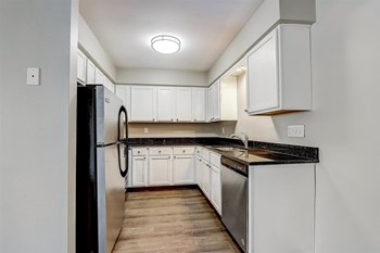 2045-2055 1St Ave 2 Beds Apartment for Rent Photo Gallery 1