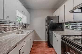2610 W Colorado Blvd 1-3 Beds Apartment for Rent Photo Gallery 1