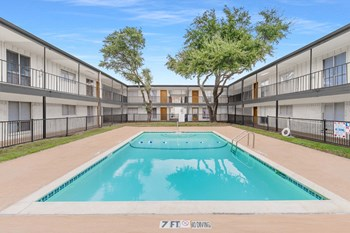 2732 W Colorado Blvd 1-2 Beds Apartment for Rent Photo Gallery 1