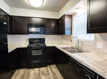 3100 NW Expy 1 Bed Apartment for Rent Photo Gallery 1