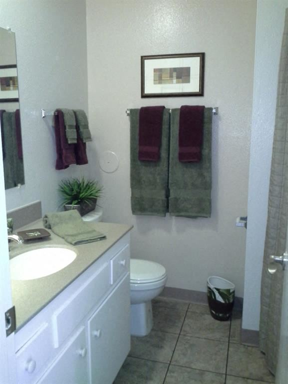 Richelieu Apartments bathroom