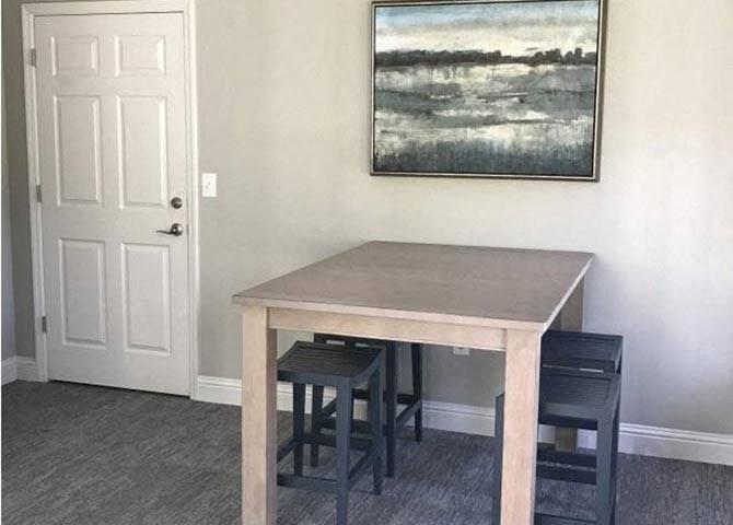 Contemporary Common Room at Lullwater at Calumet, Newnan, GA, 30263