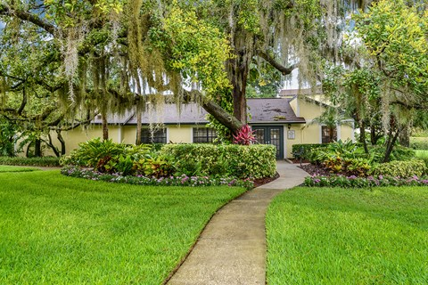 Brookside Manor Apartments Brandon Florida Clubhouse landscaping