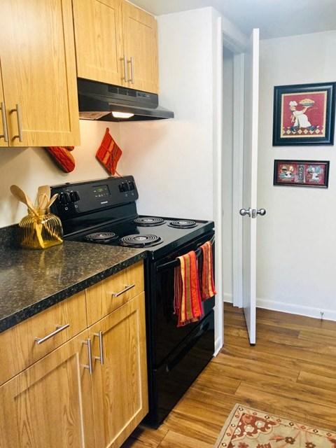 brookside manor apartments brandon fl kitchen all black appliances