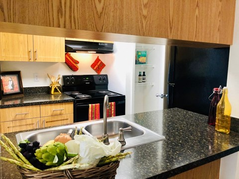 brookside manor apartments brandon fl pantry and breakfast bar in all apartments