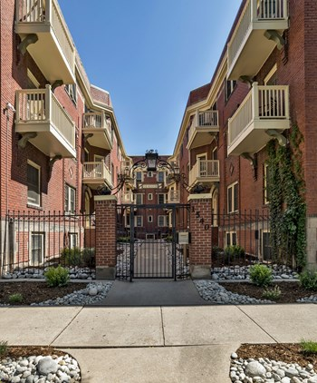 1540 Grant Street 1-2 Beds Apartment for Rent Photo Gallery 1