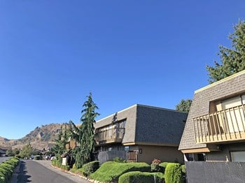 1450 Castlerock Ave 1-2 Beds Apartment for Rent Photo Gallery 1