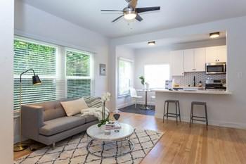 1026-1036 Sanborn Ave & 1037 Hyperion Ave Studio-1 Bed Apartment for Rent Photo Gallery 1