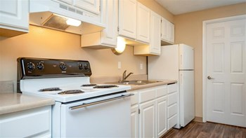 5952 Park Court SE 1 Bed Apartment for Rent Photo Gallery 1