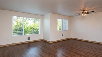 12650 SW Main Street 3 Beds Apartment for Rent Photo Gallery 1