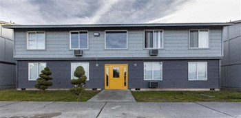1327 N 24Th Ave 1-2 Beds Apartment for Rent Photo Gallery 1