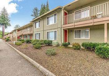 10300 NE Stutz Rd 1-2 Beds Apartment for Rent Photo Gallery 1