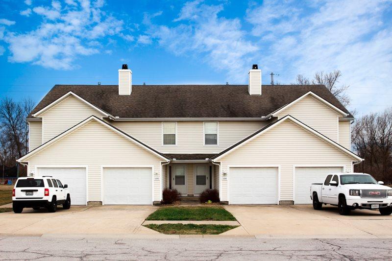 Belton-Townhomes-2-car-garage