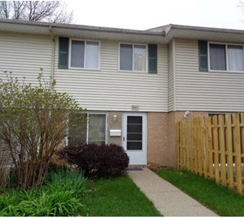3506 Kenbrooke Court 2 Beds House for Rent Photo Gallery 1