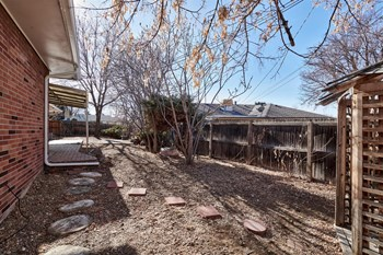3263 S Ivy Way 2 Beds House for Rent Photo Gallery 1