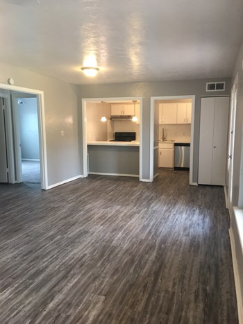 2810 Dorchester Drive 2 Beds Apartment for Rent Photo Gallery 1