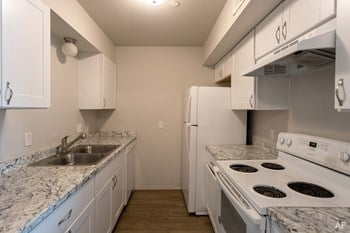 1000 NW 105Th St 1-3 Beds Apartment for Rent Photo Gallery 1