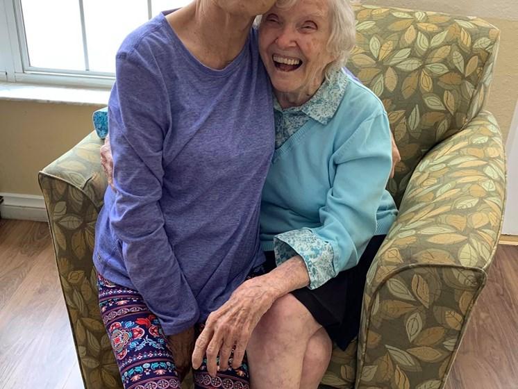 Happy Senior Life at Savannah Cottage of Lakeland, Florida, 33809