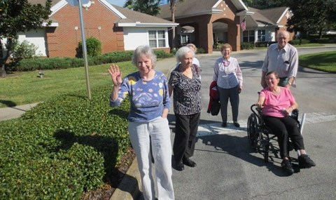 Seniors Having A Good Time at Savannah Court & Cottage of Oviedo, Oviedo, FL, 32765
