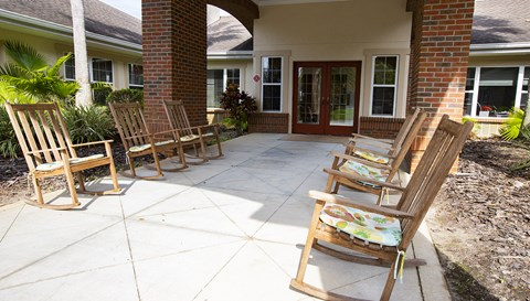 Outdoor Sitting Area at Savannah Court & Cottage of Oviedo, Florida, 32765