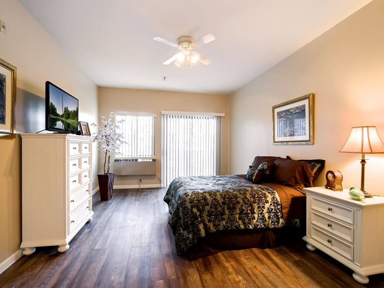 Live a life of luxury and comfort at Pacifica Santa Clarita